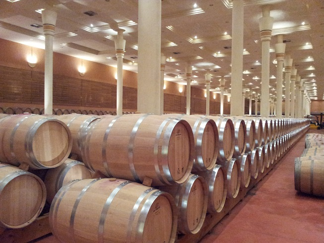 A barrel-aged wine, please… Moving towards recognising the origin of wines