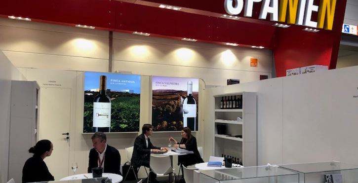 Familia Martínez Bujanda attends leading trade fairs for the wine industry
