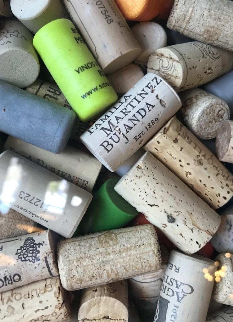 Corks, synthetic plugs and screw bottle caps are much more than just a passing trend